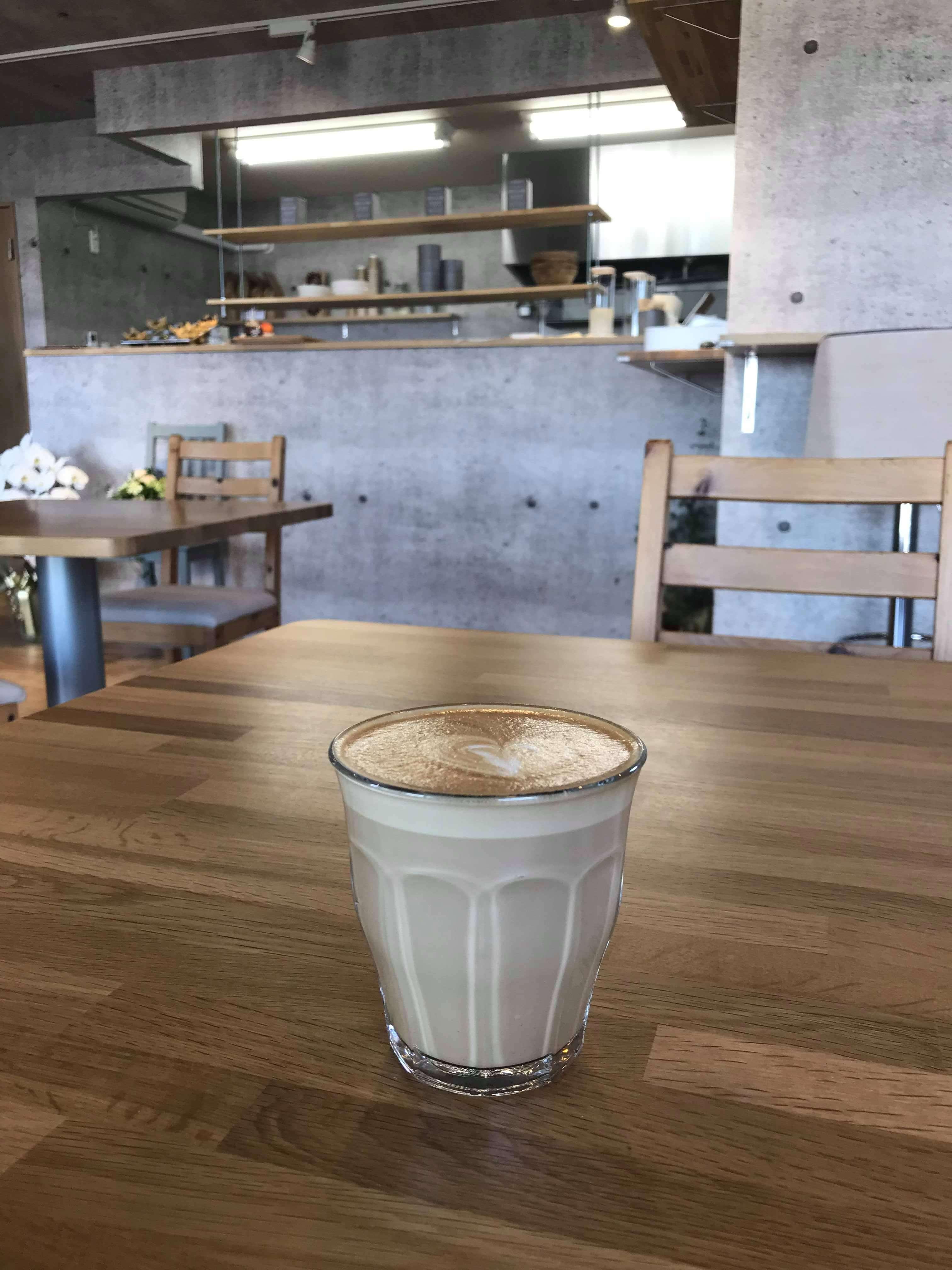 cafe オーマチ カフェラテ